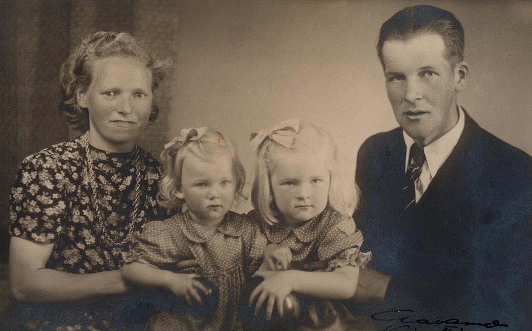 På bilden Elin och Gunnar Jeppson med två av sina döttrar.