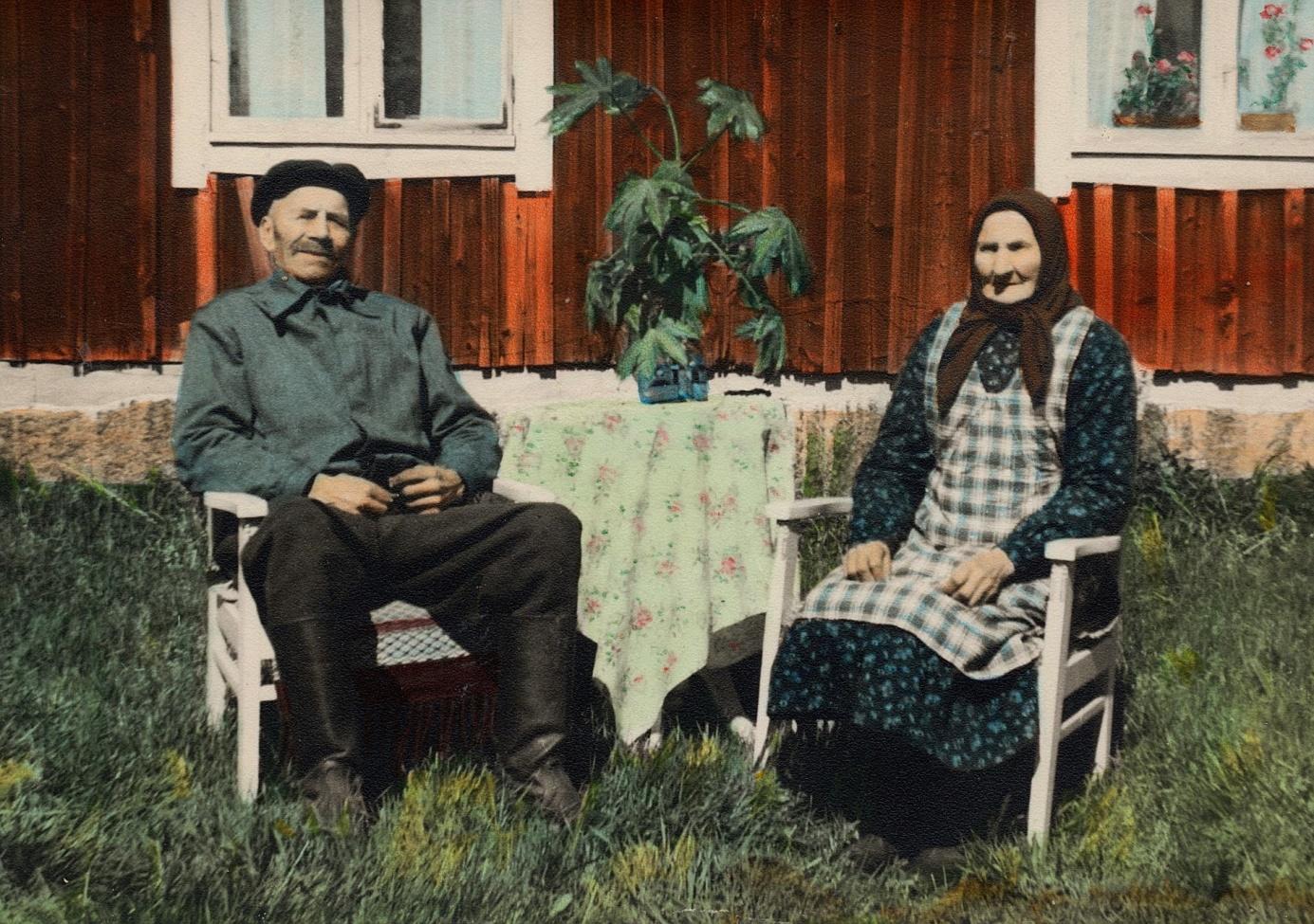 """På fotot """"Strömbergas-Josip"""" d.y. och hans hustru Ida, som var född Rosenkvist i Korsbäck."""