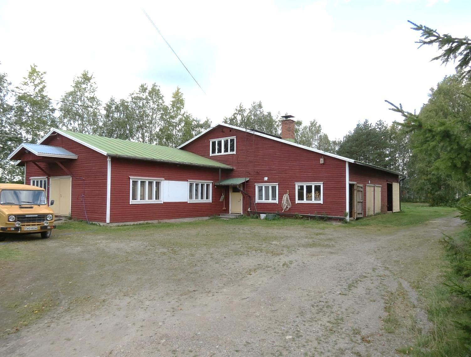 Byggnaden där Myllyniemen Puunjalostus verkar i dag byggdes år 1967 av Johannes Myllyniemi (1904-1985).