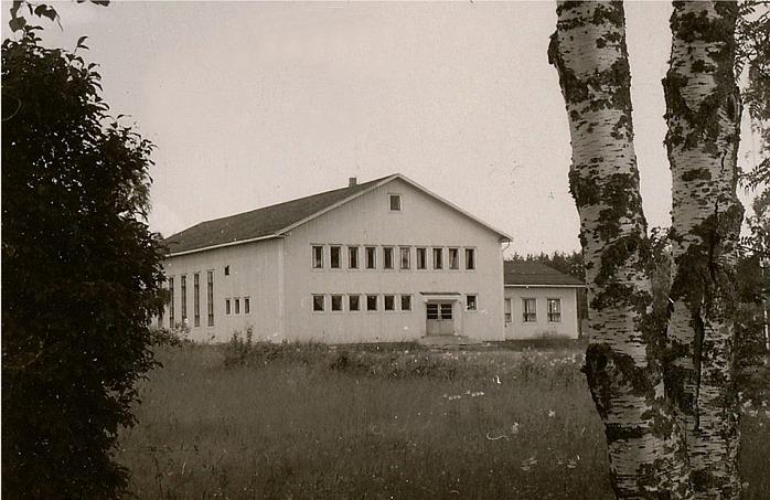 Ungdomslokalen i Dagsmark som invigdes år 1954 var Frans Storkulls skapelse. Lokalen förstördes i en häftig brand i maj 1996.