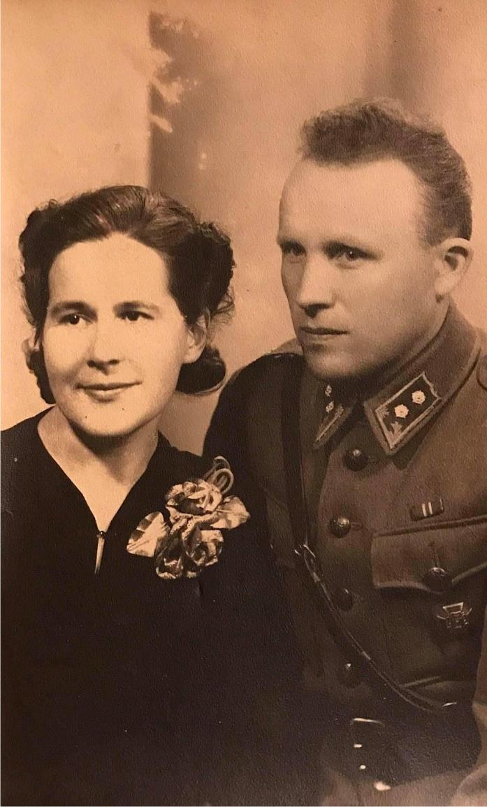 Här ser vi löjtnanten Gunnar Gröndahl som gifte sig med Sylvia.