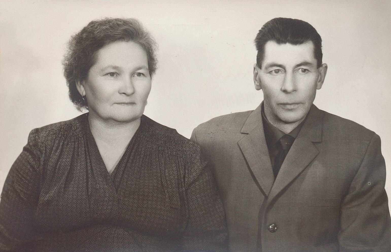 """Här Taimi, född Hautamäki i Kärjenkoski och hennes man Selim Lång. Han kallades """"Beckaas-Selim"""" åtminstone så länge han bodde i Dagsmark."""