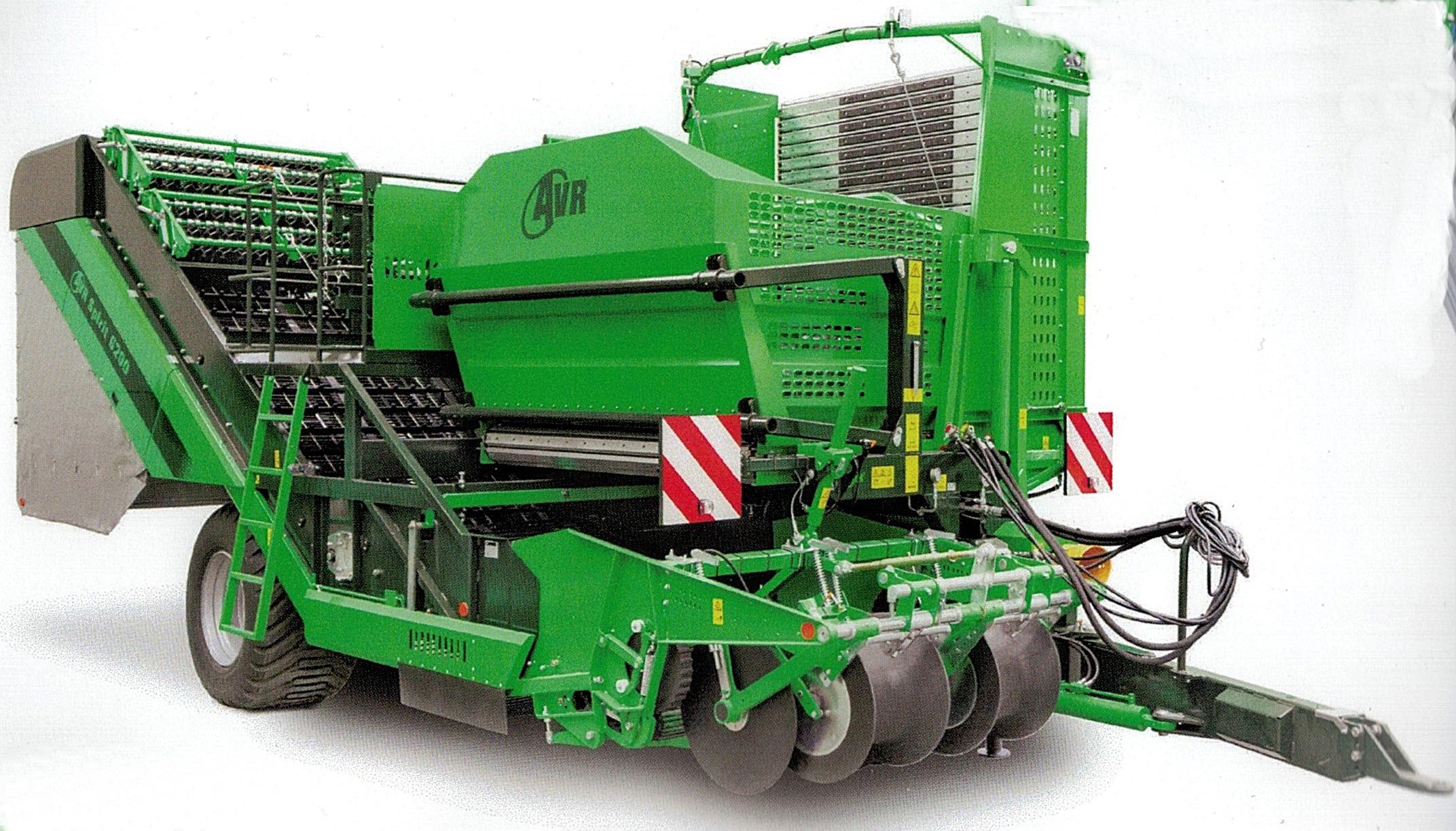 Dagens moderna upptagningsmaskiner har inte mycket gemensamt med de första tröskorna, som potatisodlarna i Dagsmark skaffade i början på 1970-talet. Både tekniken och storleken är en helt annan och de nya maskinerna är mycket mer skonsam vid upptagningen.