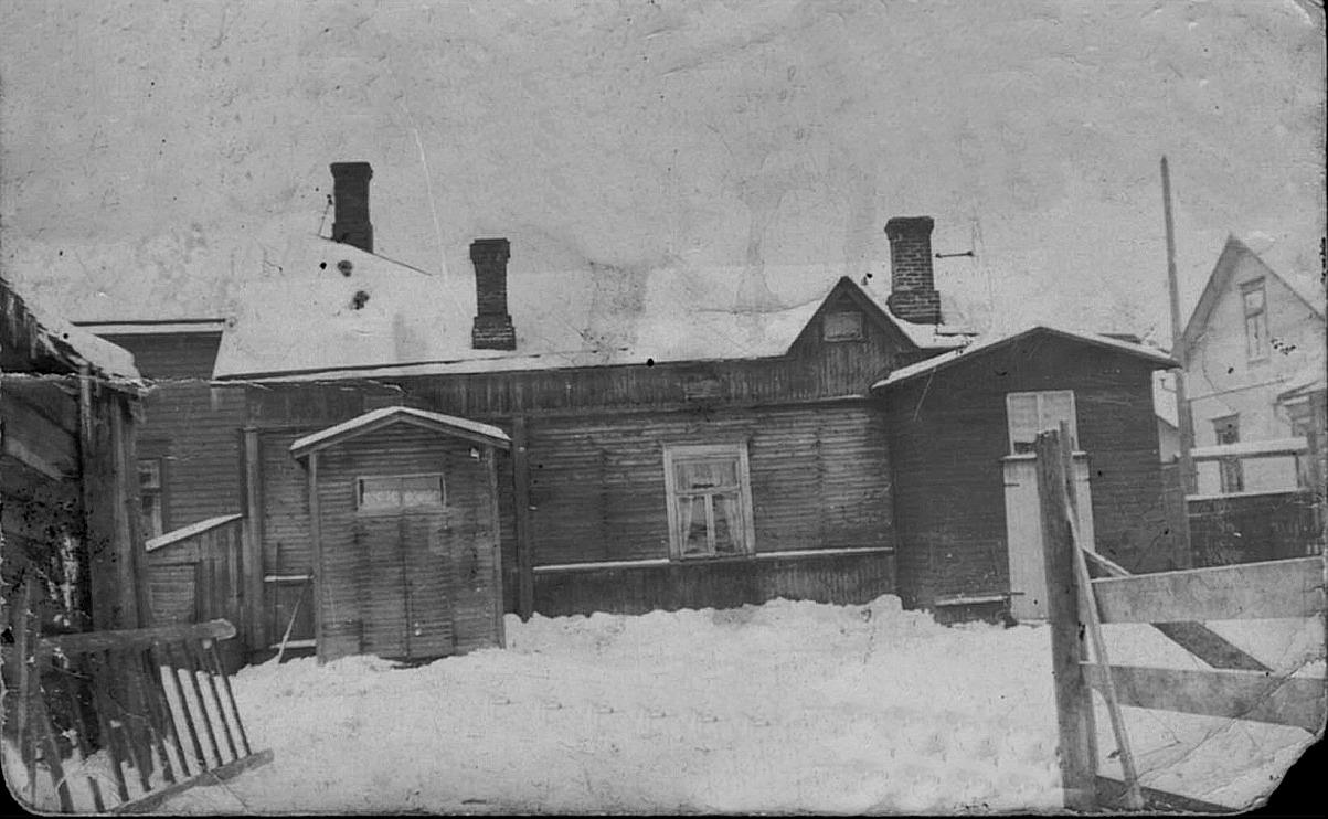 Här huset på Strandgatan som fortfarande står kvar.