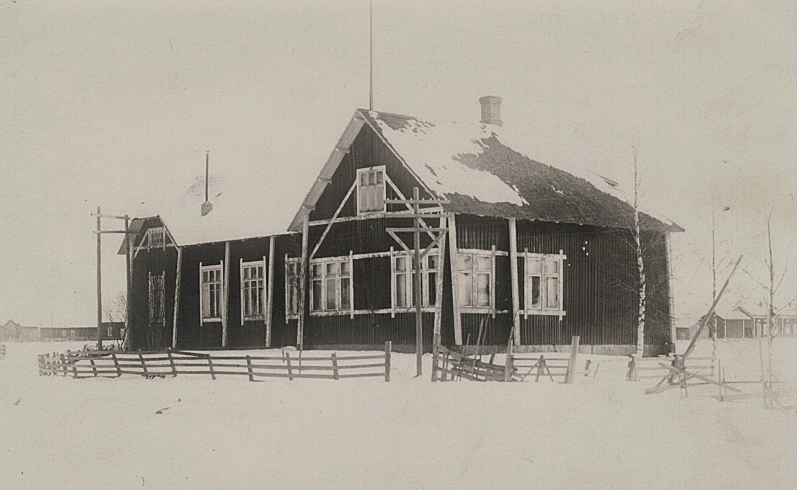 Den gamla ungdomslokalen från 1905 började byggas om år 1928 och den förnyade lokalen kunde invigas 1929.