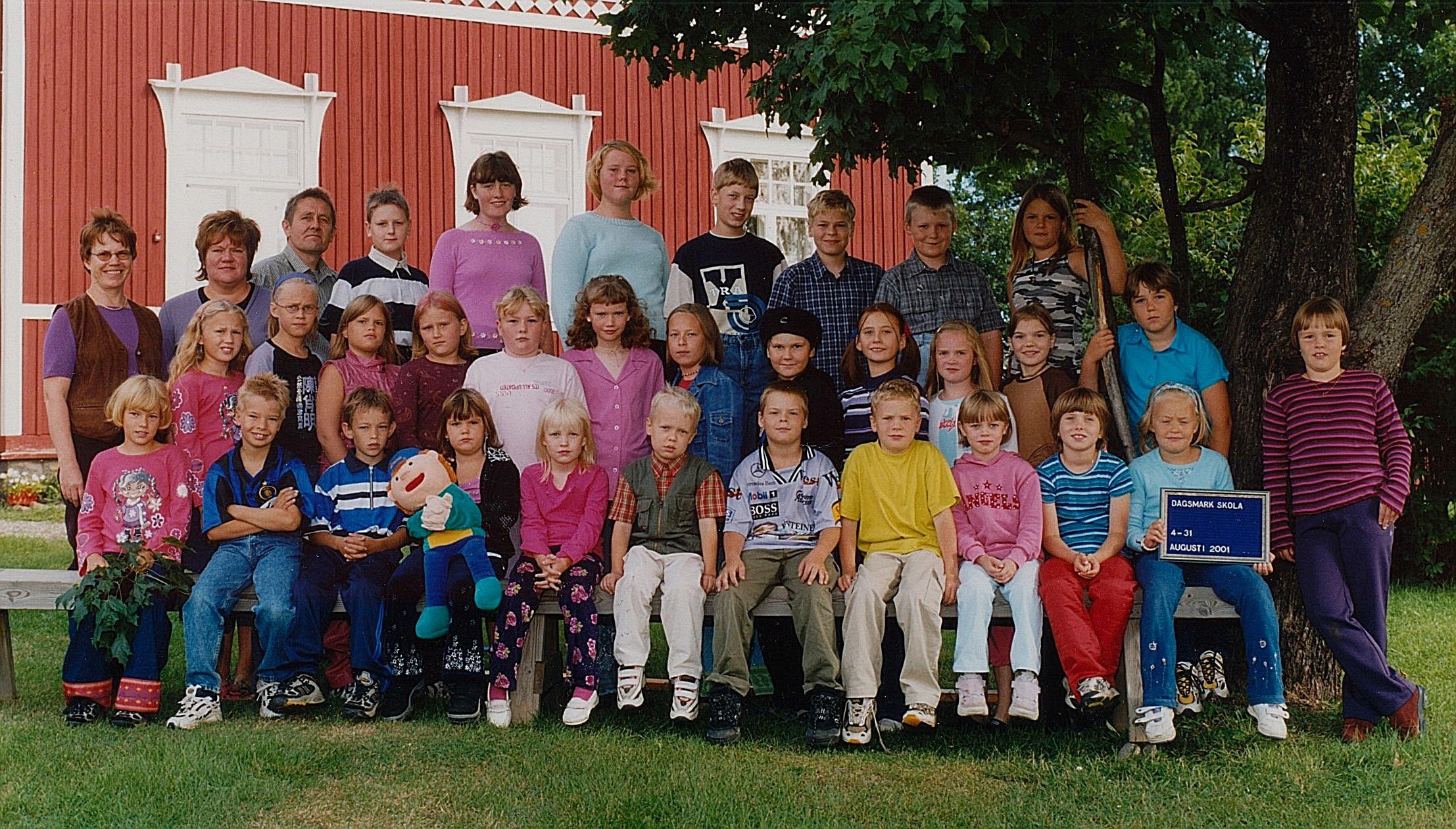 År 2001, Dagsmark skola.