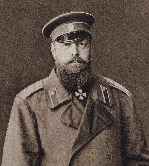 Vid sitt tillträde som tsar år1881 lovade Alexander III att Finland får behålla de privilegier som de hade erhållit vid Borgå Lantdag 1809.