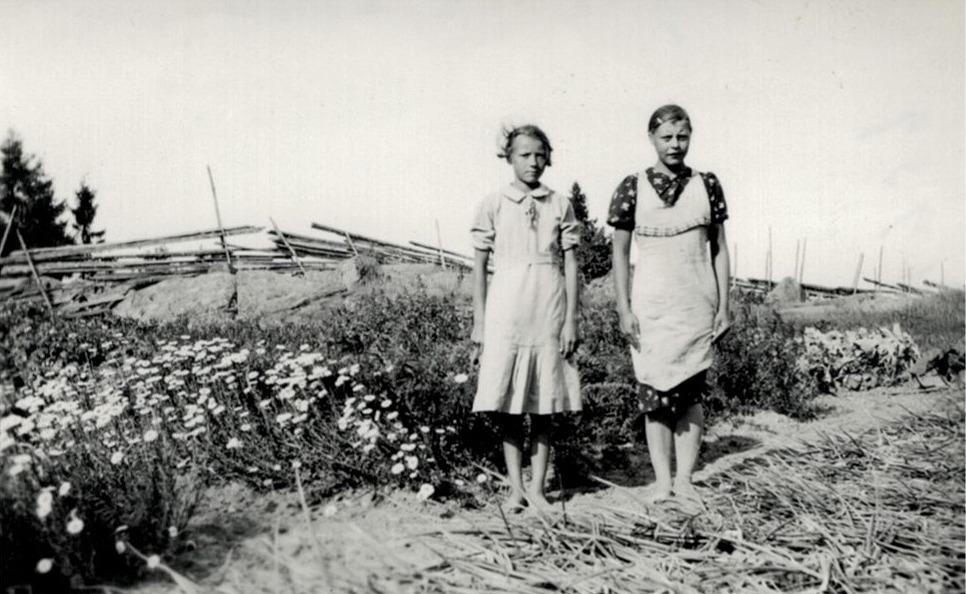 Agnes Byholm med en hittills okänd kamrat.