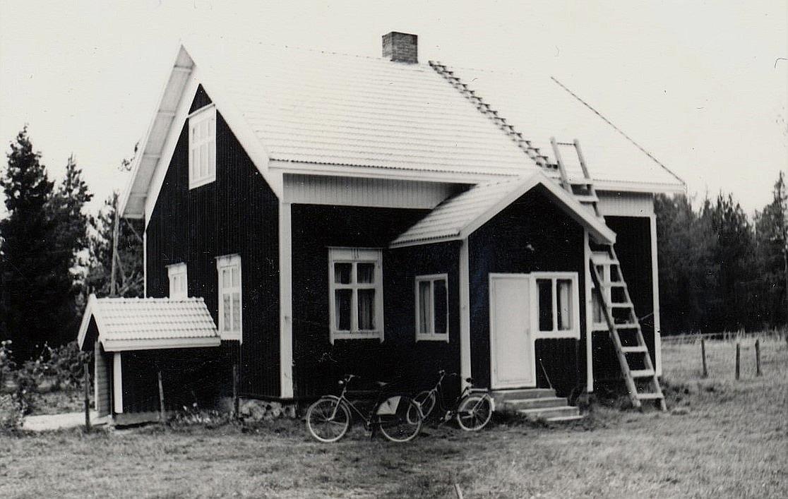 Gården som Gunnar och Ingeborg Lindblad byggde i början på 1940-talet i Palon.