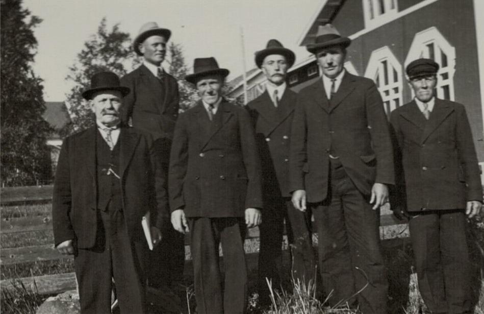 Direktionen på den södra folkskolan 1934, från vänster Ch. Ulfves, Karl Knus, Erland Björknäs, Karl Henrik Björklund, Emil Ekman och Viktor Ingves.