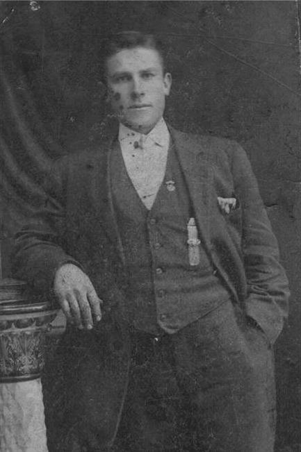 Anna Kajsa Rosenbacks man Viktor före hans avfärd till Amerika 1899.
