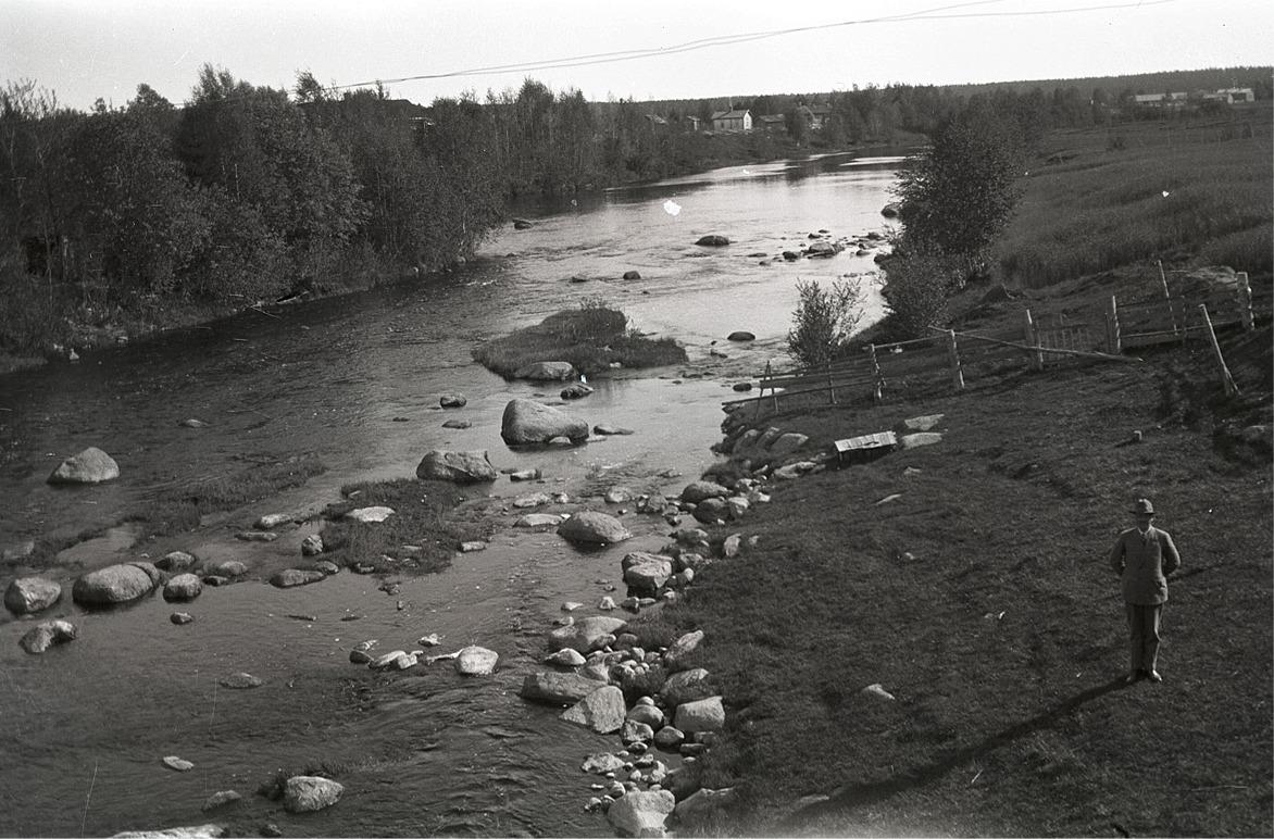 Lappfjärds å söderut fotograferad från Storbroen i Dagsmark.