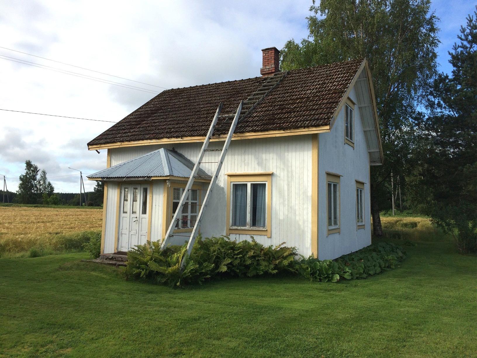 Norrgårdas lillstugan fotograferad i augusti 2017 från väster.