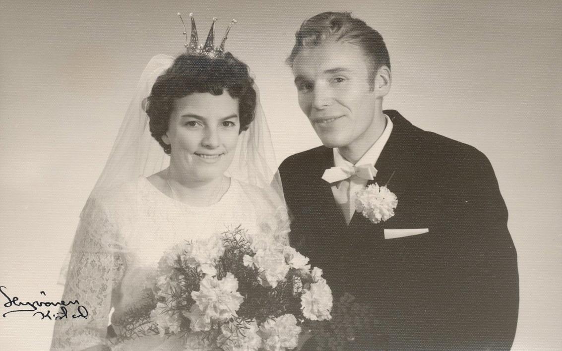 På bilden yngsta sonen Boris som blev bonde på hemmanet 1959, här tillsammans med hustrun Iris år 1964.