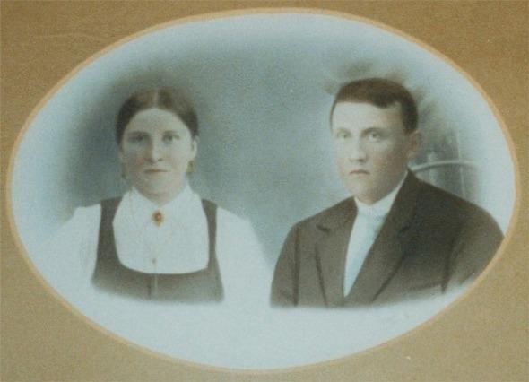 Almas och Josef Dahlroos.