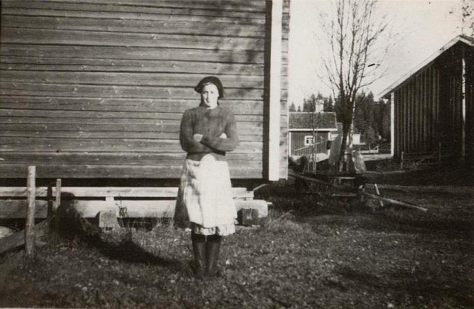 Alice Dahlroos framför häbbret.