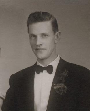 Per gifte sig 1961 med Berit Södergård (f.1937) från Lappfjärd. De flyttade sedan till Sverige, där de fick 2 döttrar.