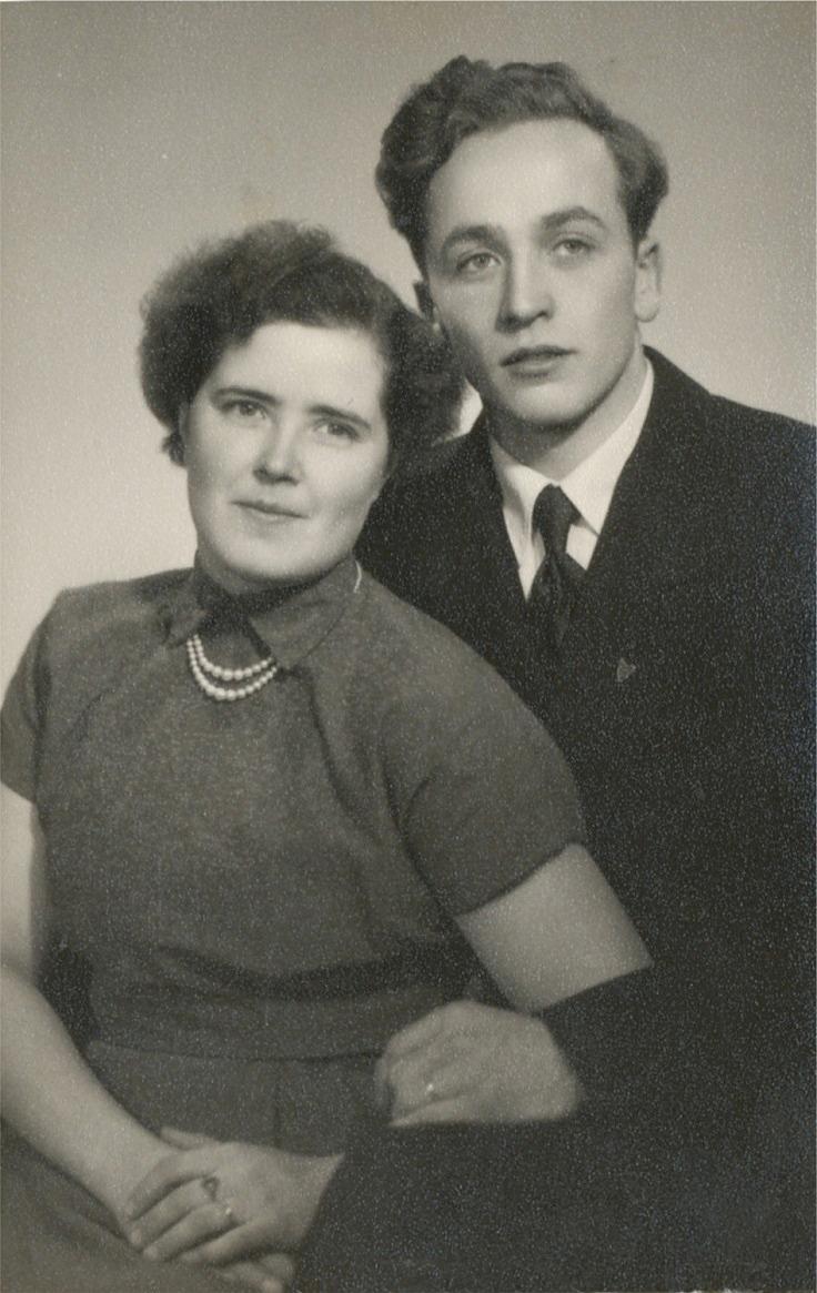 Den yngsta dottern Astrid (1928-2013) gifte sig år 1956 med Lars Löfgren från A-sidon. De fick barnen Stefan 1957 och Monica 1961. Dom flyttade till Sverige men 1963 flyttade de tillbaka till Dagsmark då de övertog Westers butik. Den förstördes i en brand på vintern 1964 och de flyttade då tillbaka till Sverige för gott.