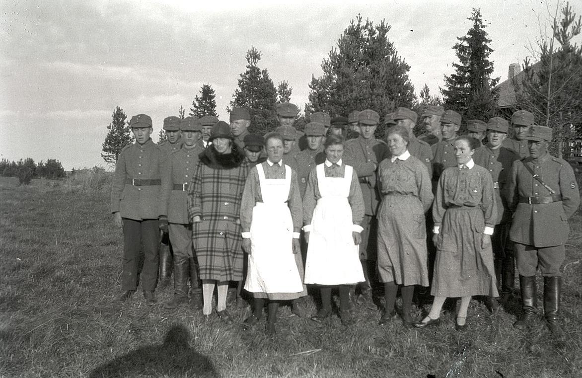 Skyddskårister och lottor från Lappfjärd.