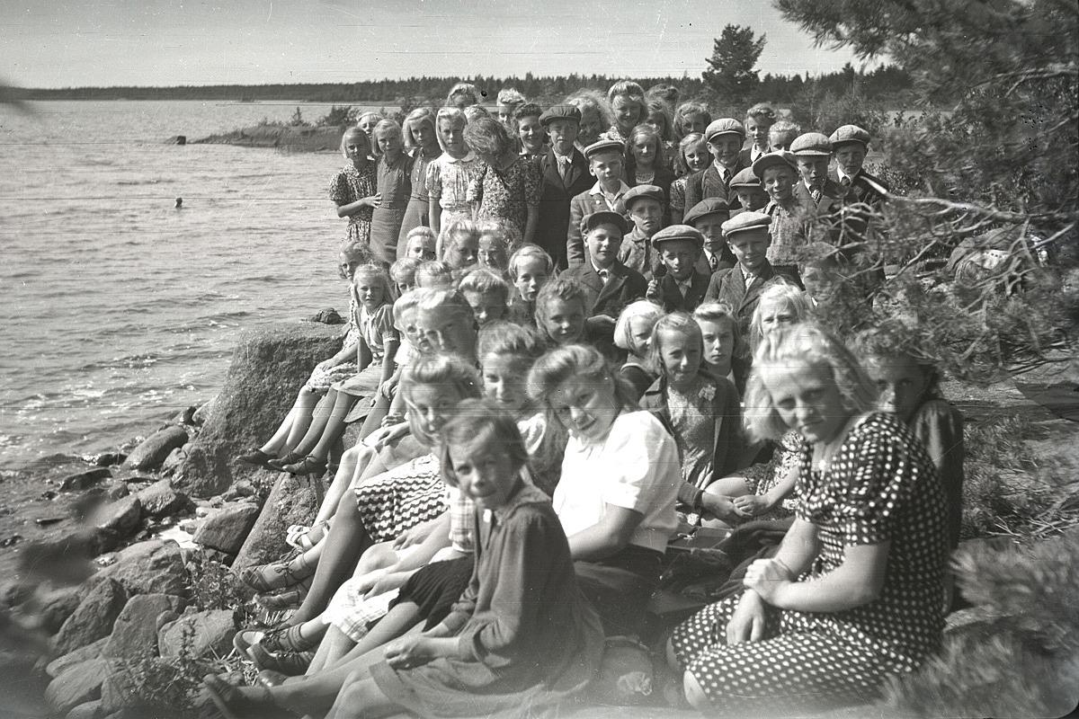Sommaren 1943 gjorde lantbruksklubben en utfärd till Härkmerifjärden.