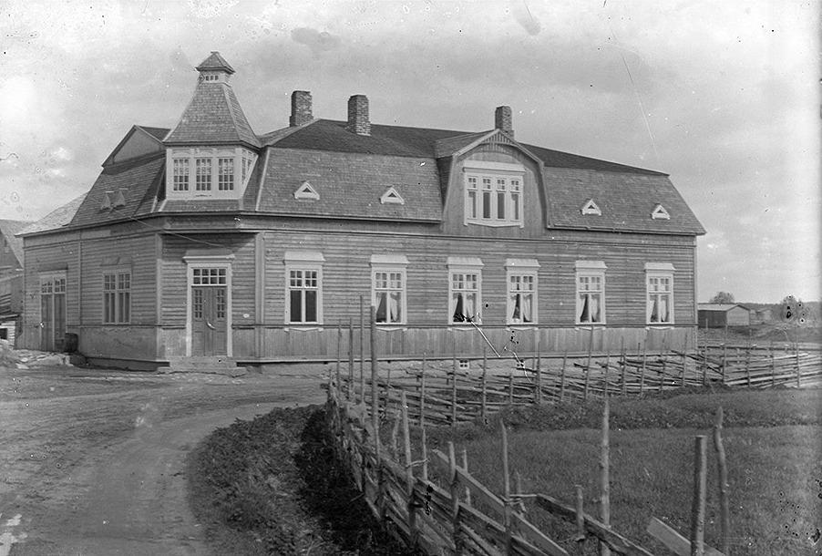 J. H. Storkulls affärshus i Dagsmark fotograferad från väster i slutet på 1910-talet.