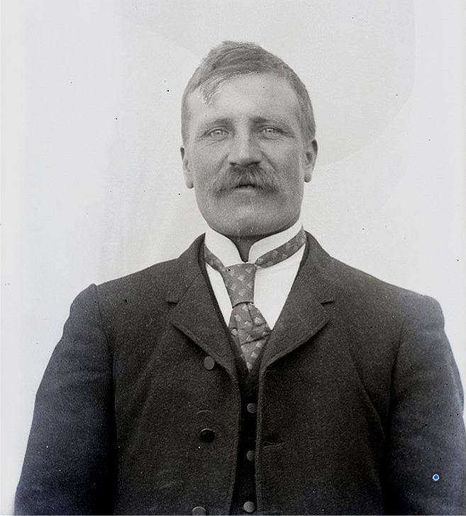 Närbild på Viktor Nylund.