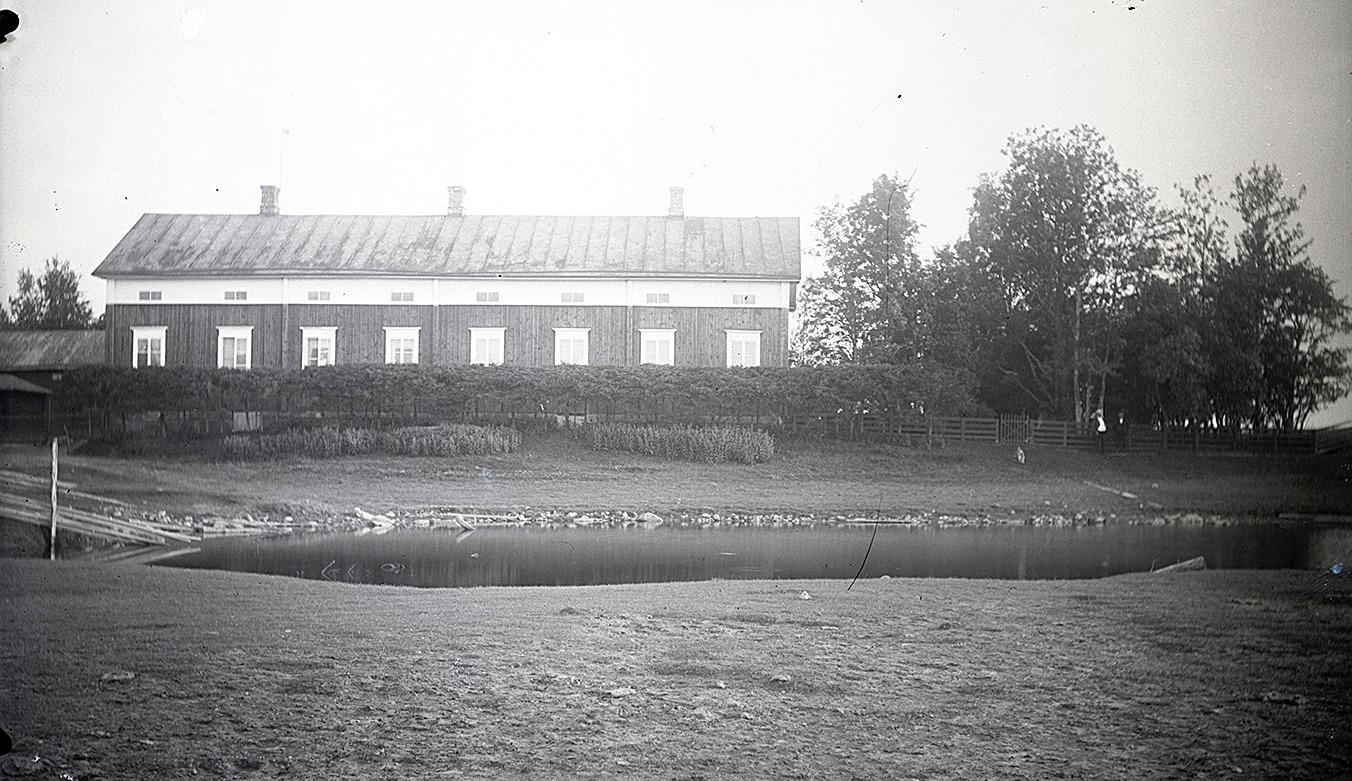 Starckes gård i Lappfjärd, idag mera känd som af Hällströms gård.