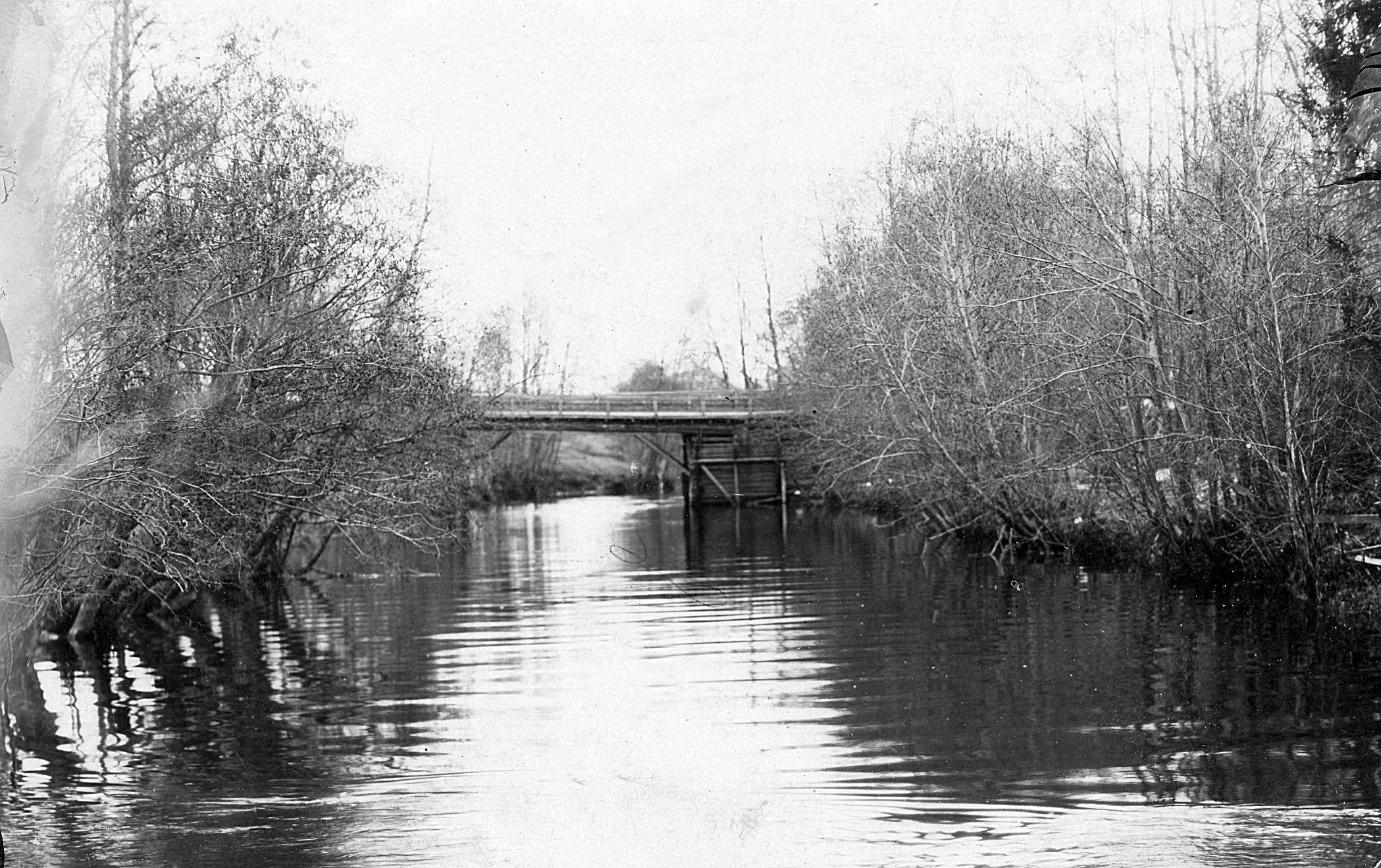 Lillbron fotograferad på 1920-talet före den revs och den nya byggdes.