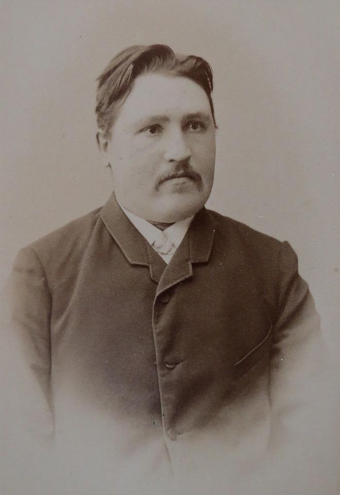 Folkskolläraren J. J. Wadström som år 1902 blev läskedryckstillverkare i Dagsmark, då han grundade Lappfjärd Läskedrycksfabrik.