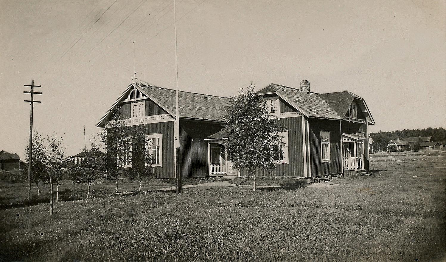 Majbo fotograferat från öster av Artur Lövholm, troligtvis på 1930-talet.