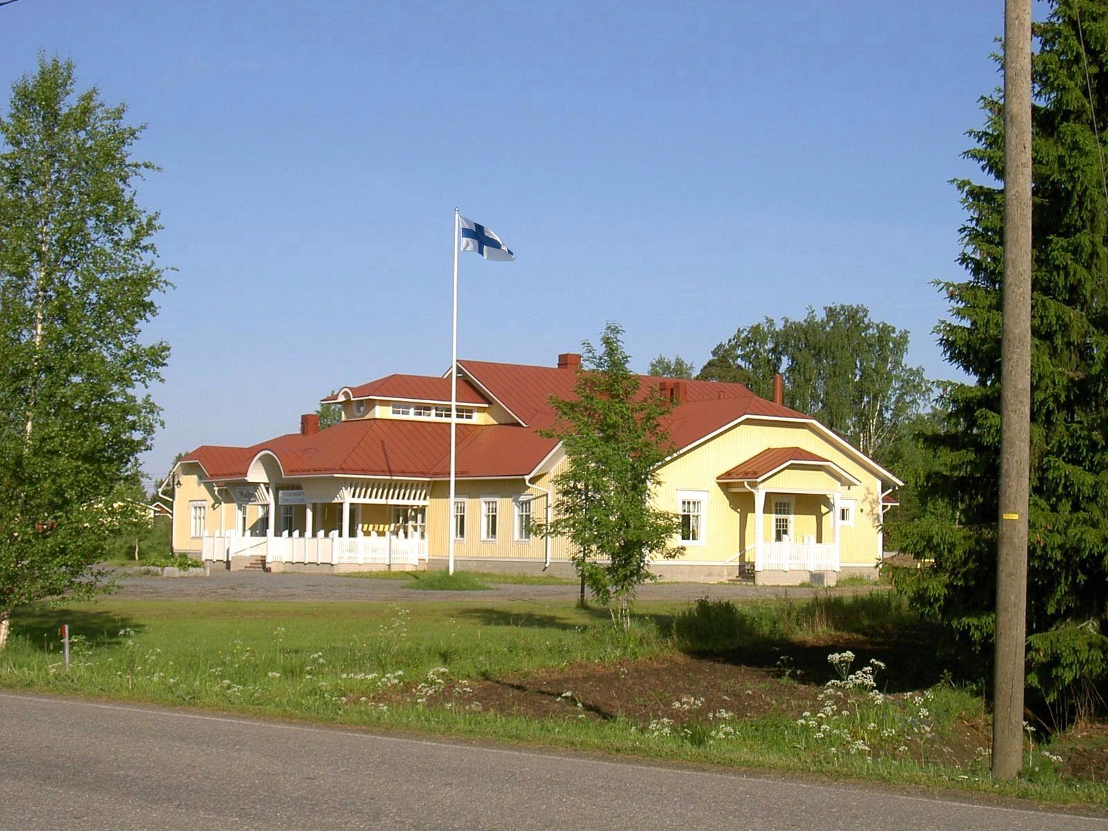 Ungdomsföreningen hus Majbo fotograferat från öster.