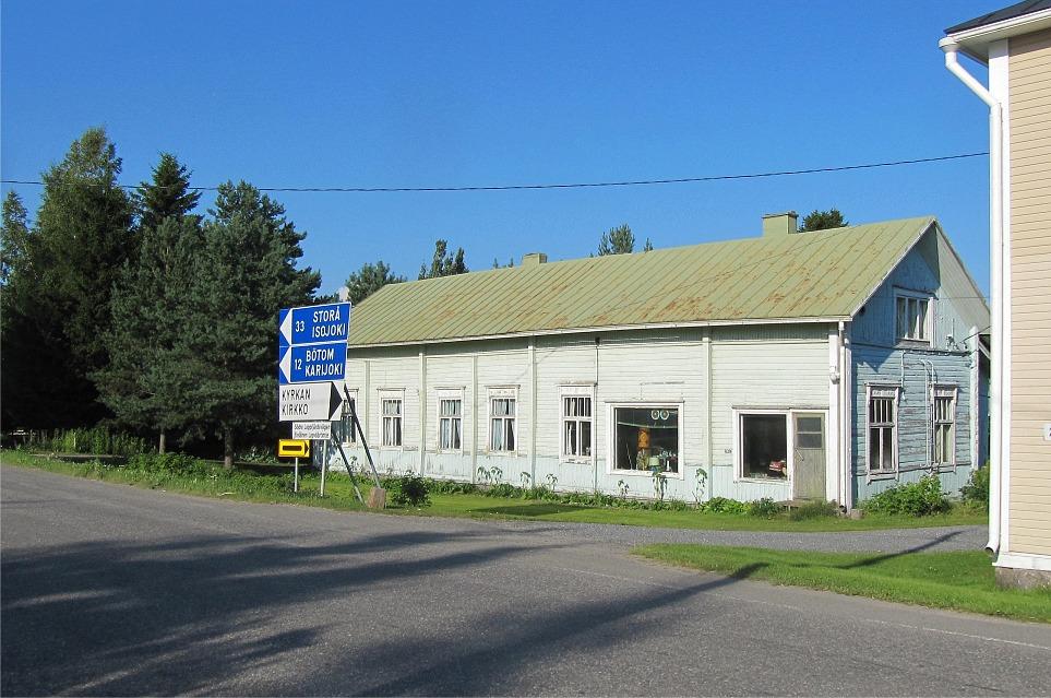 Det var till den här gamla gården i Stenmanas kroken som familjen Hautaviita flyttade ungefär 1908. Före det hade de under cirka 10 år varit bosatta i Bötom.