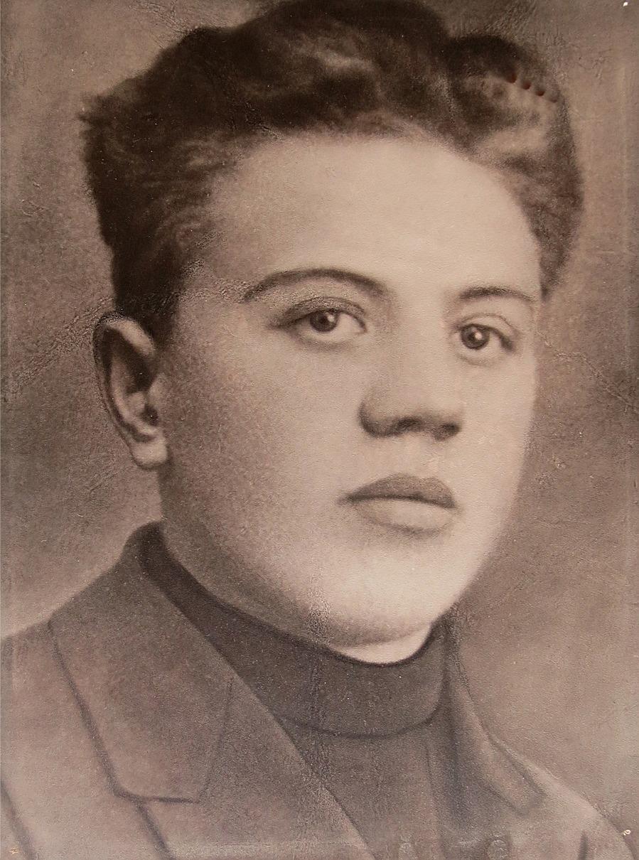 Theodor som konfirmand ungefär 1923.