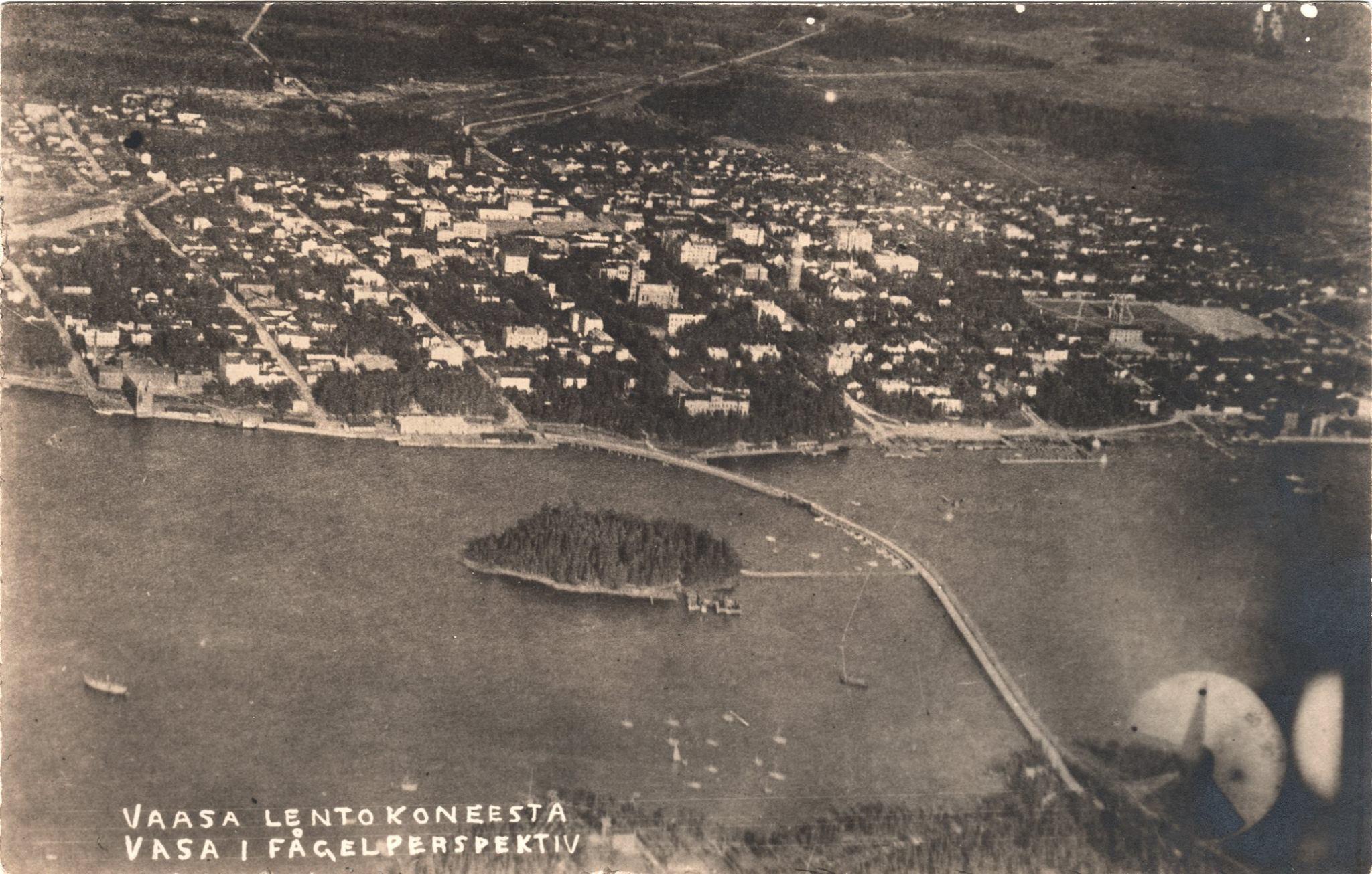 Detta foto över Vasa centrum tog Yrjö Könni den 1 september 1920.