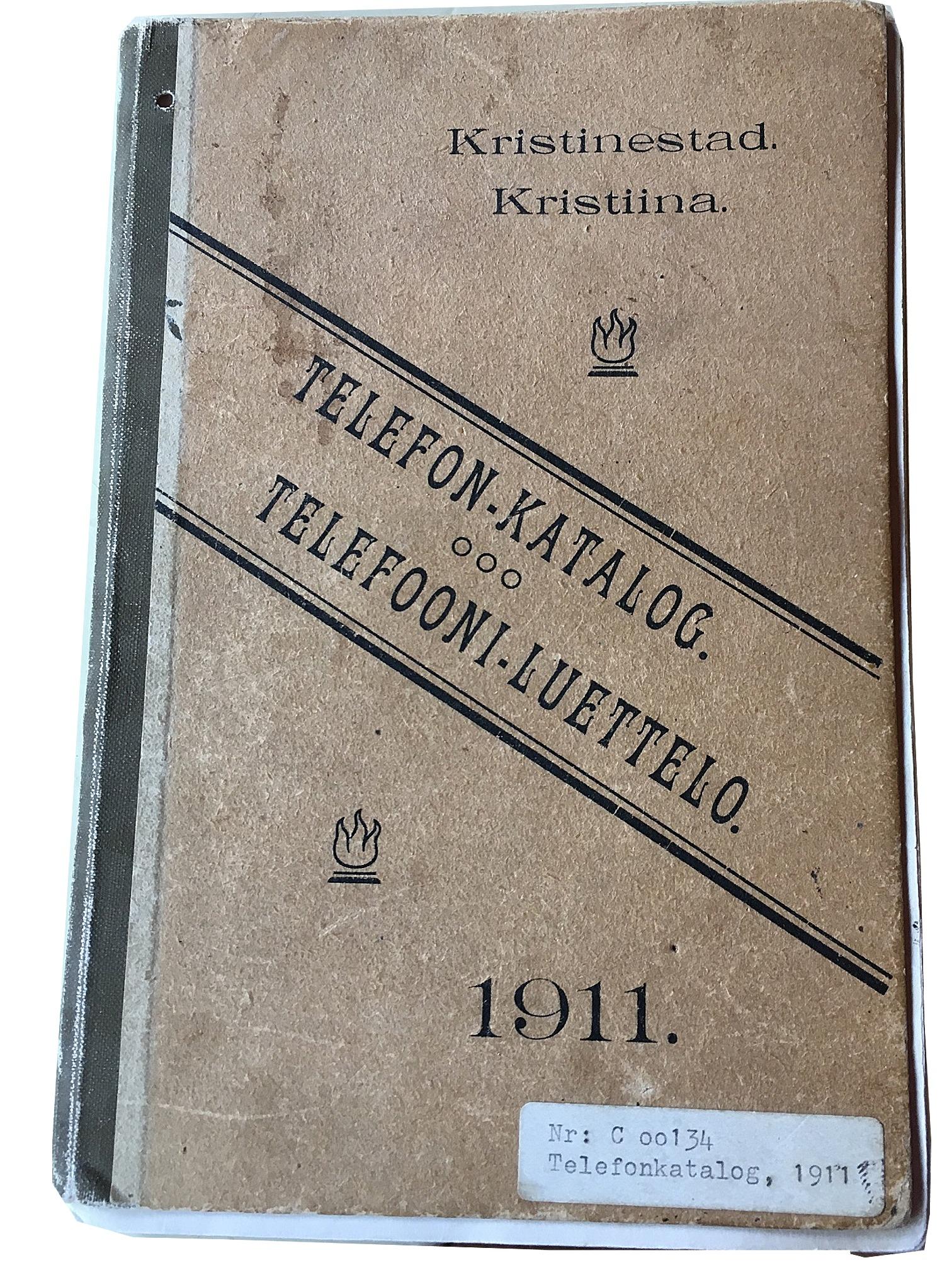 Telefonkatalogen från år 1911, som finns på stadens museum Carlsro.