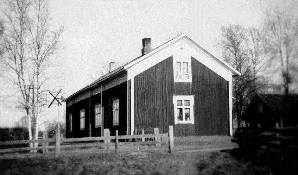 """Gården där """"Andersas"""" fotograferad för länge sedan."""