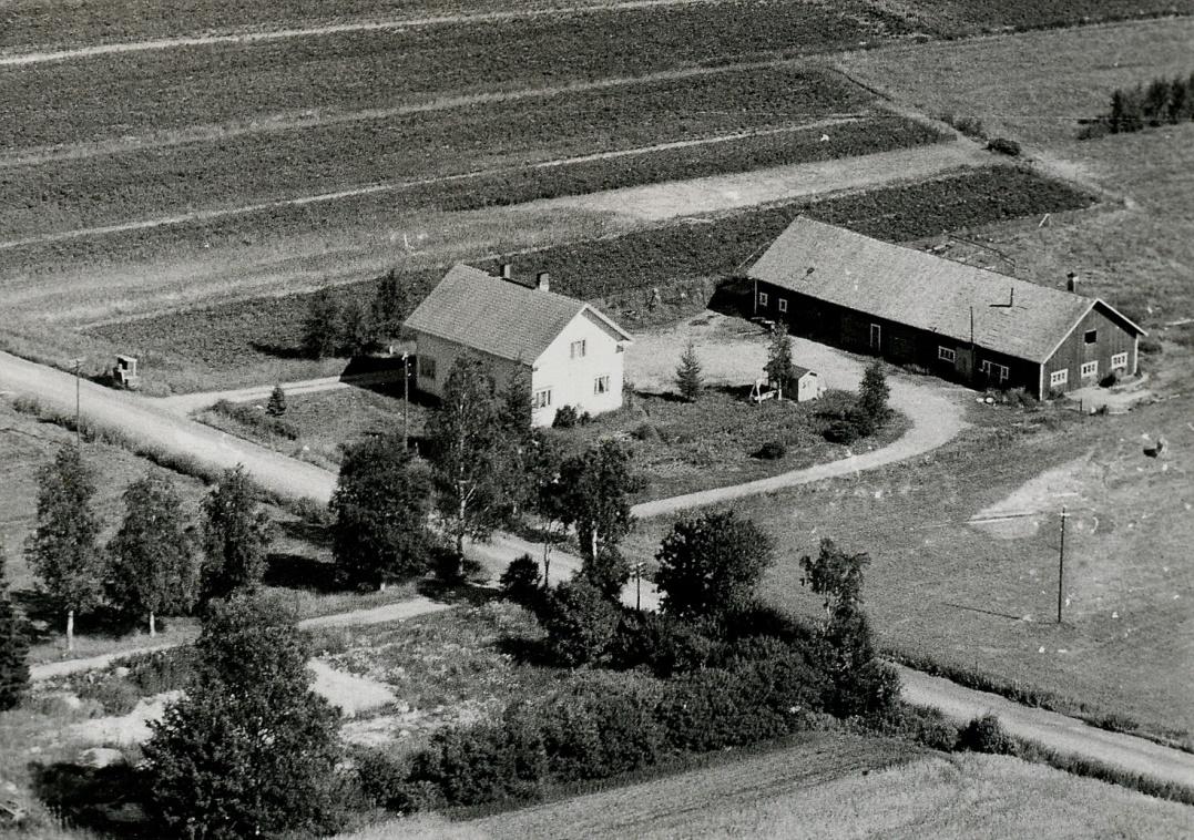 Eskil Rosenbacks gård på Åbackan fotograferad i början på 1970-talet.