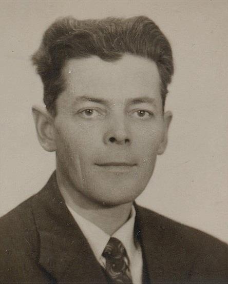 Eskil Rosenback (1917-2001) var son till Valentin och Selma.
