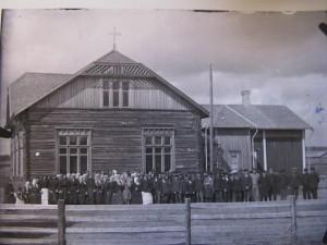Invigning av bönehuset 1915. Foto: Viktor Nylund.